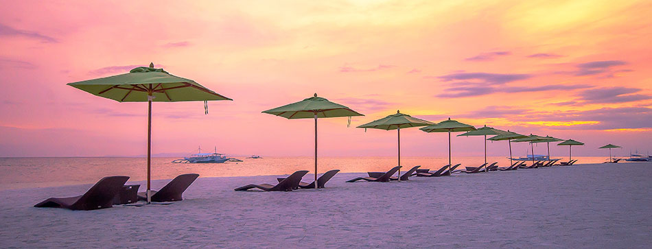 SouthPalmsResort-Umbrellas-Sunset-950px